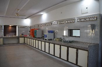 Fully Equipped Laboratory