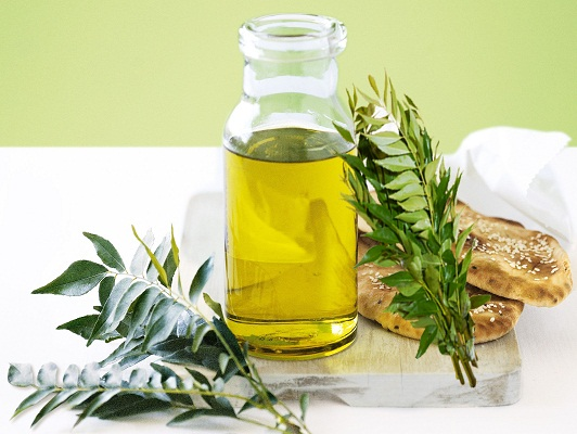 Curry Leaf Oil Manufacturer,Wholesale Curry Leaf Oil Supplier in