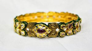 Antique Kundan Bangles