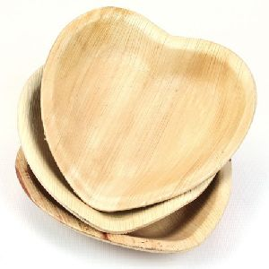 Areca Leaf Heart Shaped Plates